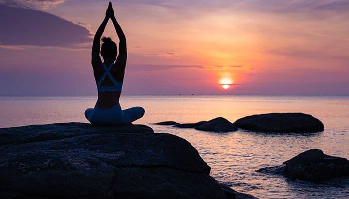 9 motive sa incluzi meditatia yoga si conceptul de mindfulness in viata ta